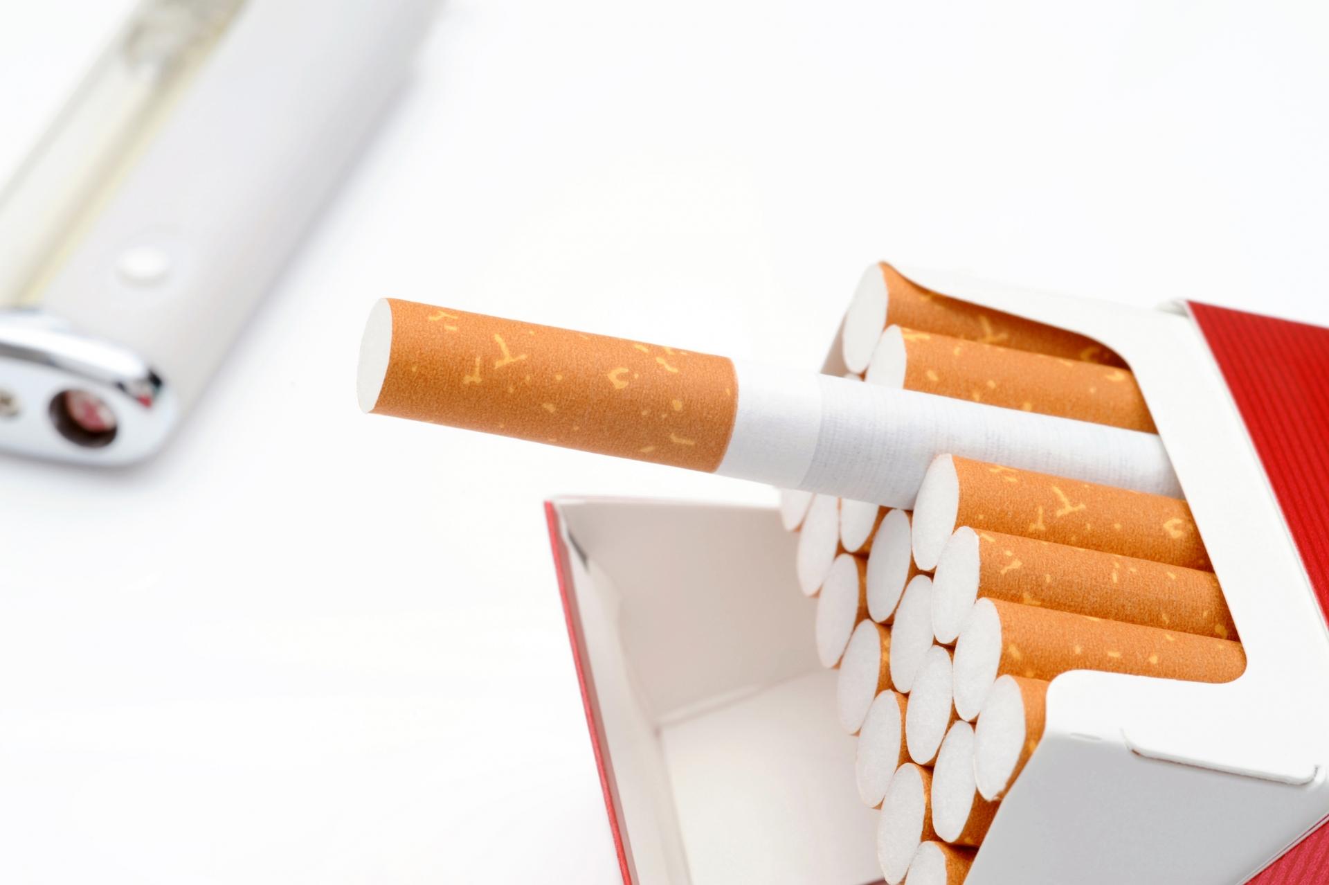 低身長の原因?「タバコを吸うと身長が伸びなくなる」のは本当か?